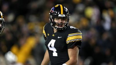 Iowa Hawkeyes football player